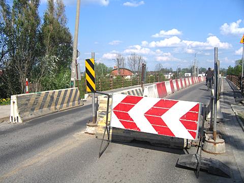 Most nad kana³em idzie do remontu