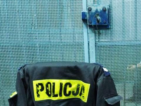 Bia�o��ka ma za ma�o policjant�w