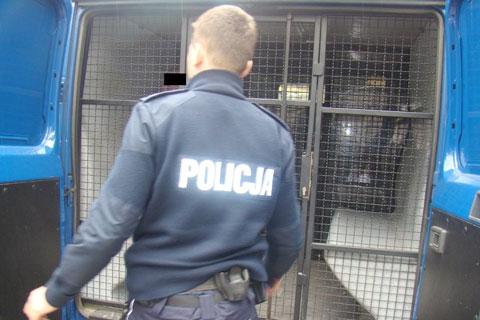Ksi�dz aresztowany za molestowanie ch�rzystki