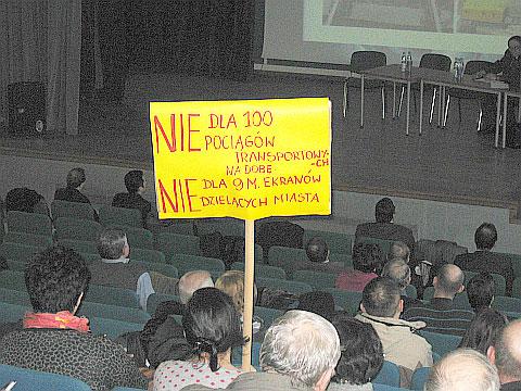 Kolej chce przebudowy, mieszkañcy Zielonki protestuj±