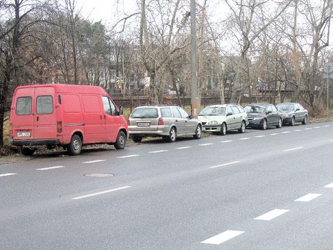 Szansa na parkingi przy PKP Rado¶æ, Miêdzylesie i Goc³awek