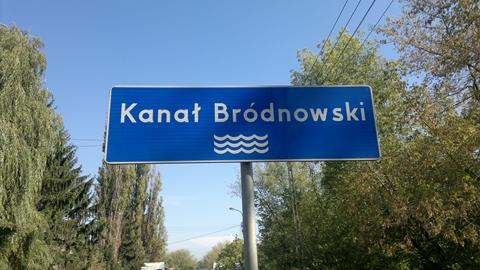 Dwóch panów w łódce: radni spłynęli Kanałem Bródnowskim