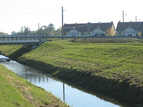 Rzeka D�uga czeka na porz�dne wa�y