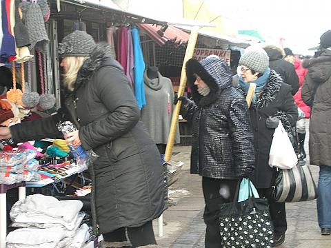 Bazarek przy Trockiej koliduje z metrem