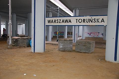 PKP Warszawa Toruñska nadal straszy wygl±dem