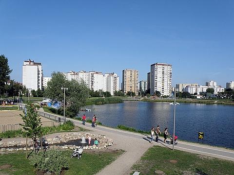 Sztuczne jezioro na Targ�wku za rok