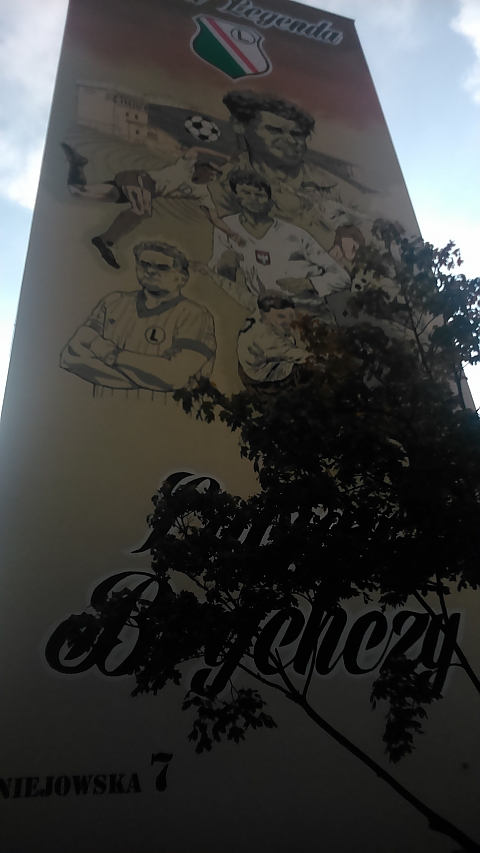 Legenda Legii na gigantycznym muralu przy Uniejowskiej