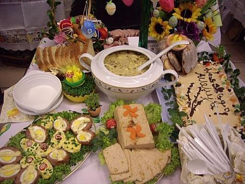 Wielkanocne �niadanie dla os�b samotnych pod PKiN