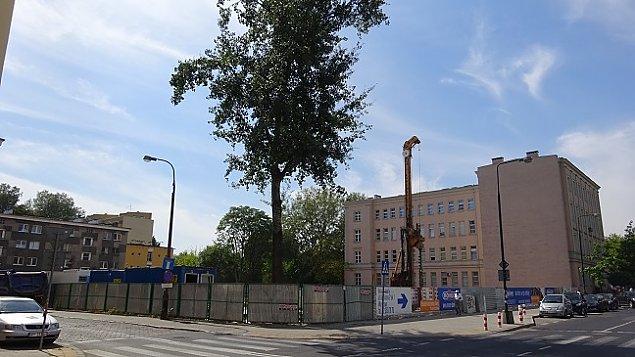 Blok w miejscu przedwojennego szpitala