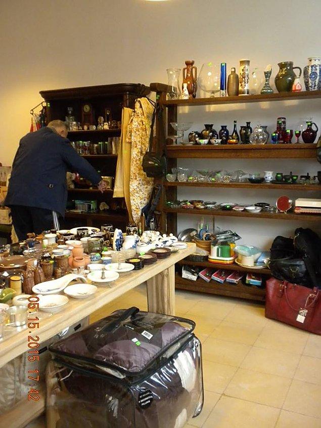 Galeria M�yn: malutka rupieciarnia na Zwyci�stwa