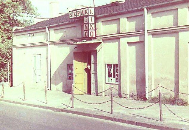 W starym kinie. Kinomani kochali Wawer