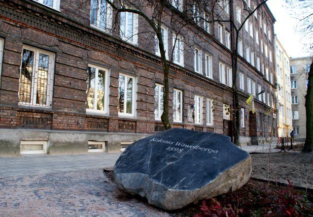 Pyszne p±czki i ró¿any skwer dla Kolonii Wawelberga