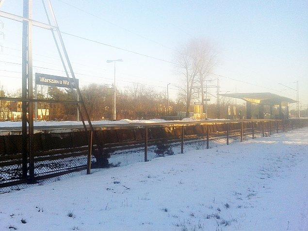 Stacja Wawer: przesuwa� czy zostawi�?