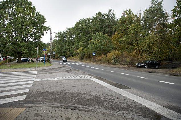 """Ciemno i niebezpiecznie na Klasyków. """"Ulica wymaga przebudowy"""""""