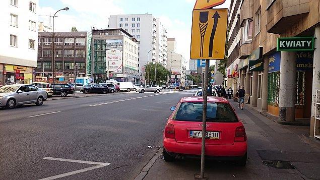 """¯elazna do zwê¿enia. """"Miejsce samochodów jest na jezdni"""""""