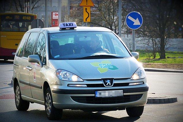 Taniej taksówk± po Wawrze? Najwy¿szy czas na zmiany