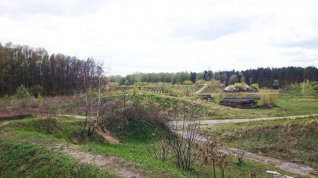 Klinika zamiast bunkrów przy Lesie Bemowskim