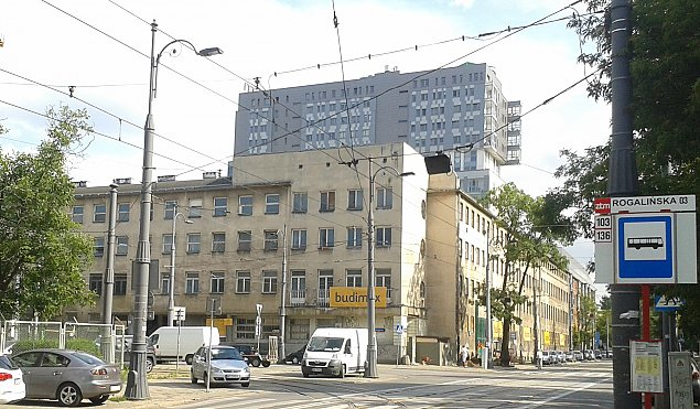 Nowe ¿ycie przedwojennego budynku