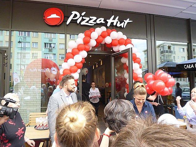 Wiceprezydent otworzy³ pizzeriê