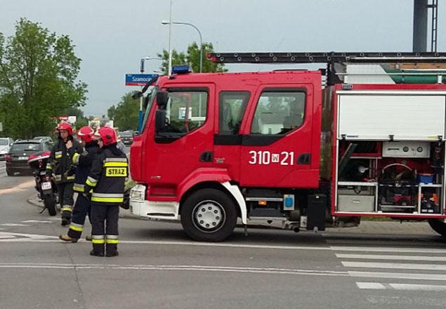 Szamocin róg P³ochociñskiej: trzy auta rozbite, kobieta w szpitalu