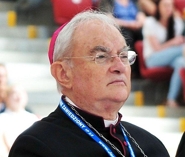 Arcybiskup Hoser na emeryturze. Kontrowersje pozostan±