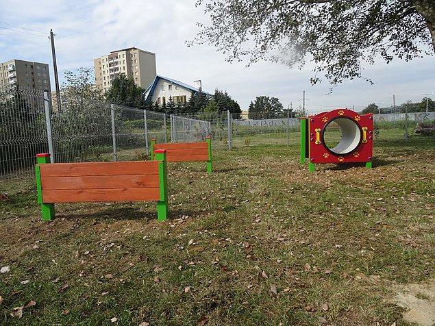 Przy Trasie Toruñskiej powstaje wielki park dla psów