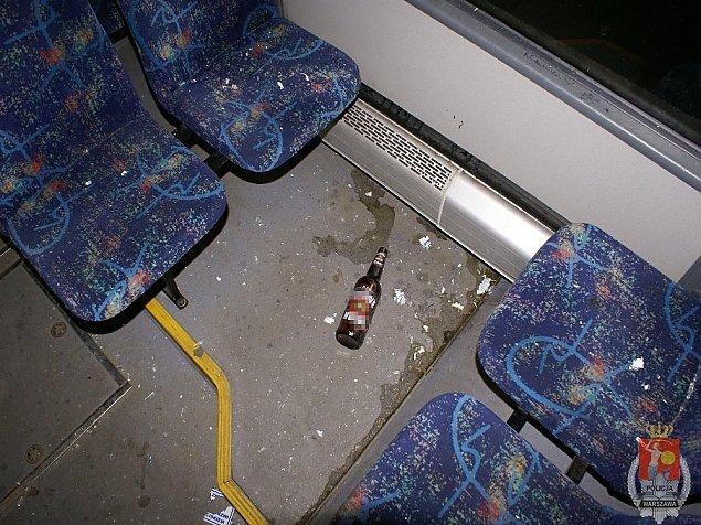 Pijacki wybryk na M³ocinach. Zniszczyli autobus