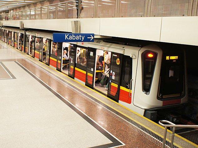 """Metro nie kursuje dzieñ po dniu. Plaga """"pozostawionych baga¿y"""""""