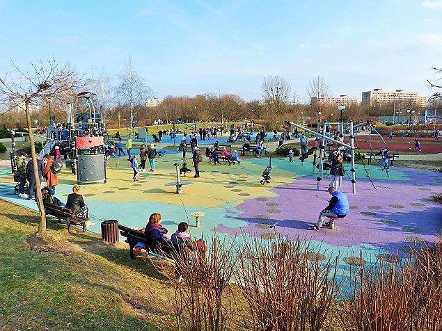 Ogród sensoryczny w parku Bródnowskim. ¯egnamy korty