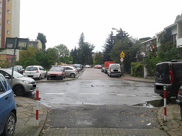 """Parkowanie po bielañsku. """"Tak wygl±da 3600 z³"""""""