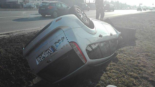 Powa¿ny wypadek na Modliñskiej. Policja szuka sprawcy