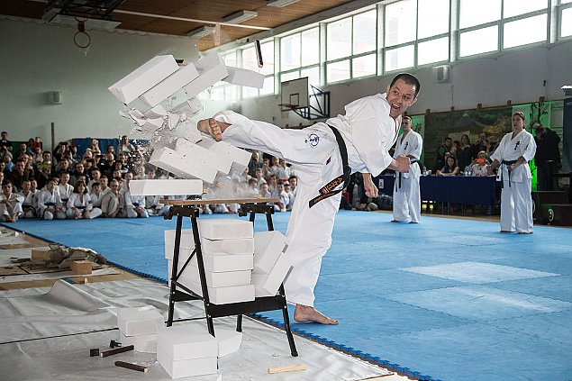 Mistrzostwa karate na Bia³o³êce. Niepowtarzalne pokazy.