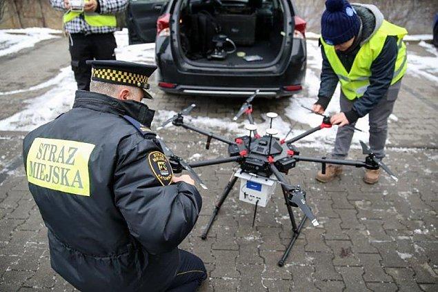 Drony kontra smog. Odwa¿na decyzja dla Wawra