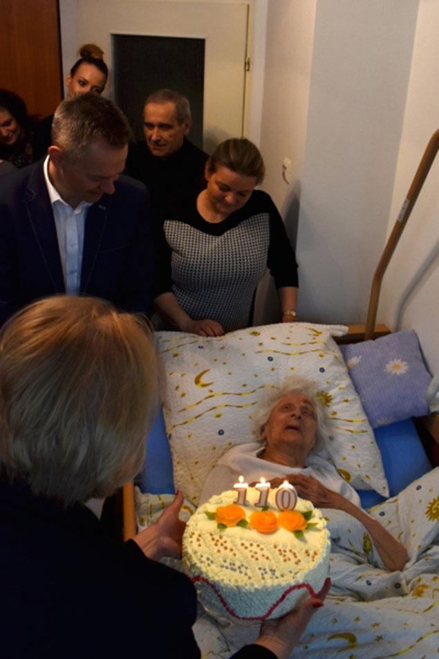 Najstarsza na Mazowszu, czwarta w Polsce. Mieszkanka Legionowa skoñczy³a 110 lat