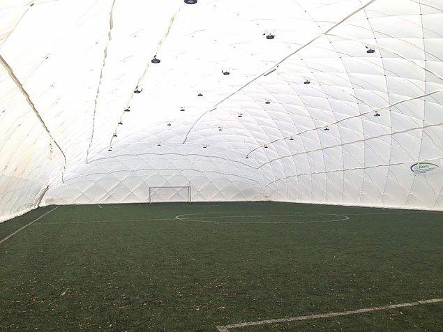 Nowe hale za miliony. Balony zakryj± boiska