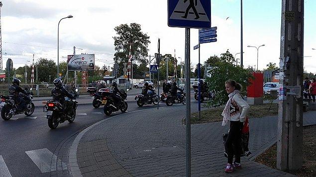 Parada zabytkowych pojazdów w Wawrze