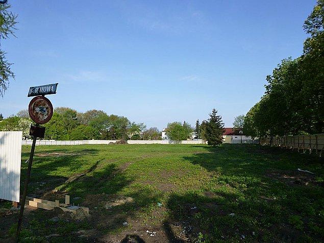 Nowe osiedle w Jab³onnie. Bloki z wind± i ogródkami