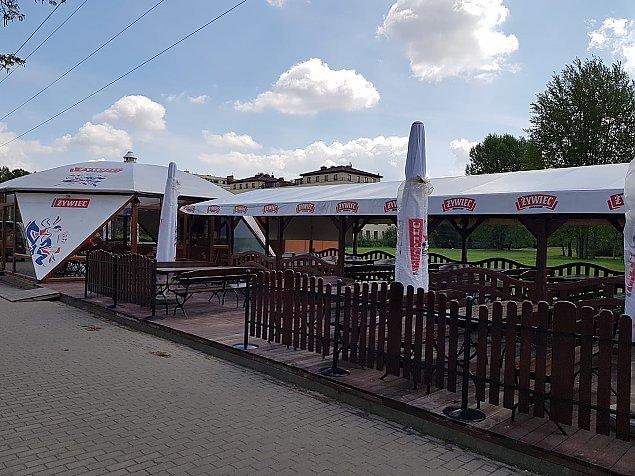 Piwo pod chmurk±. Majówka w parku Górczewska