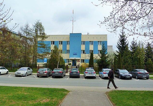 "Komisariat to relikt PRL-u. Za biurkiem ""frustraci bez sprz�tu"""