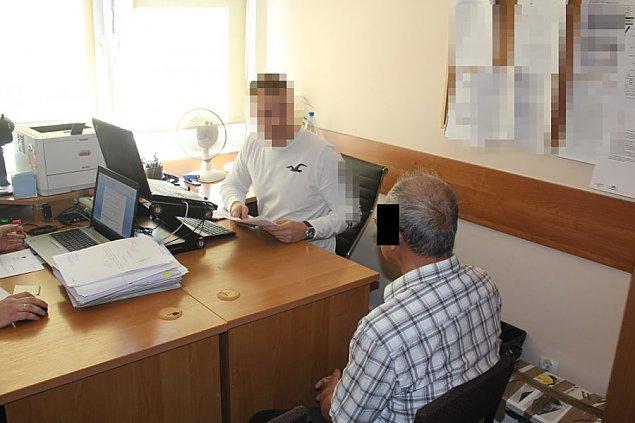 """Lewe papierosy na Wawrzyszewie. Miêdzynarodowy """"biznes"""""""