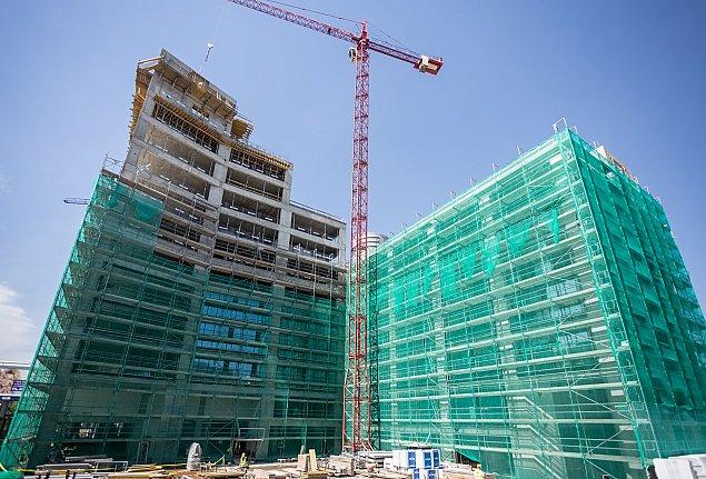 """Nowe budynki, nowa ulica. """"Browary"""" rosn�"""