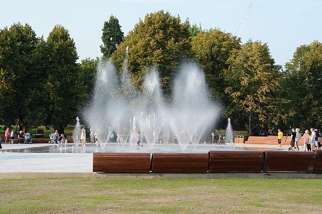 Park Szymañskiego jak nowy. Fontanny zachwycaj±