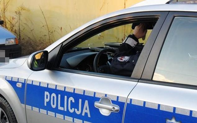 Kierowca staranowa� radiow�z. Po�cig ulicami Bielan