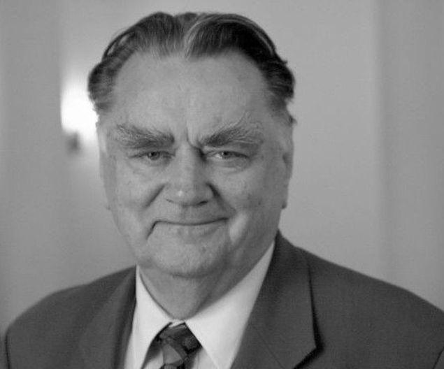 Zmar³ Jan Olszewski, honorowy obywatel Warszawy
