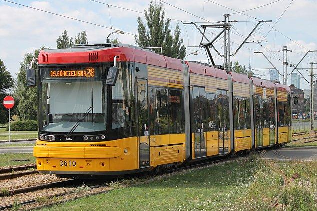 Warszawa nie kupi polskich tramwaj�w
