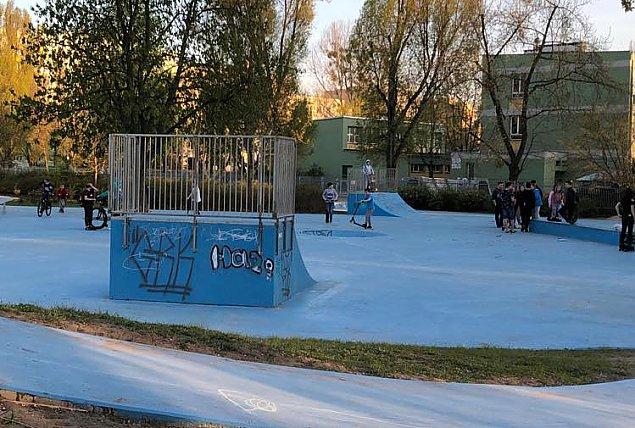 """Graffiti w Parku Herberta. """"Dzieci musz� poczu� adrenalin�"""""""