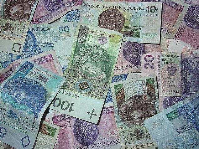Kto zgubi� pieni�dze? Policja szuka w�a�ciciela