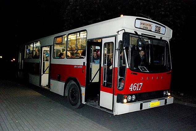 Noc Muzeów na Bia³o³êce: wycieczka jelczem z czasów PRL