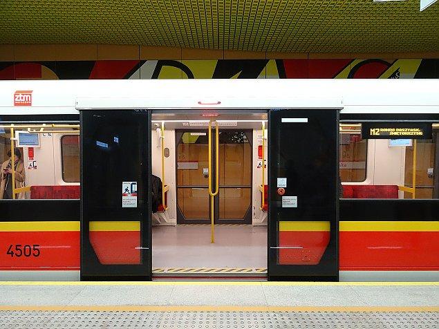 Wypadek w metrze. Dwie osoby ranne