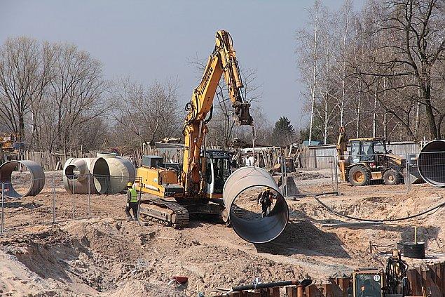 """""""Mieszkamy w Wawrze. Nie mamy wody, gazu, kanalizacji ani chodnika"""""""
